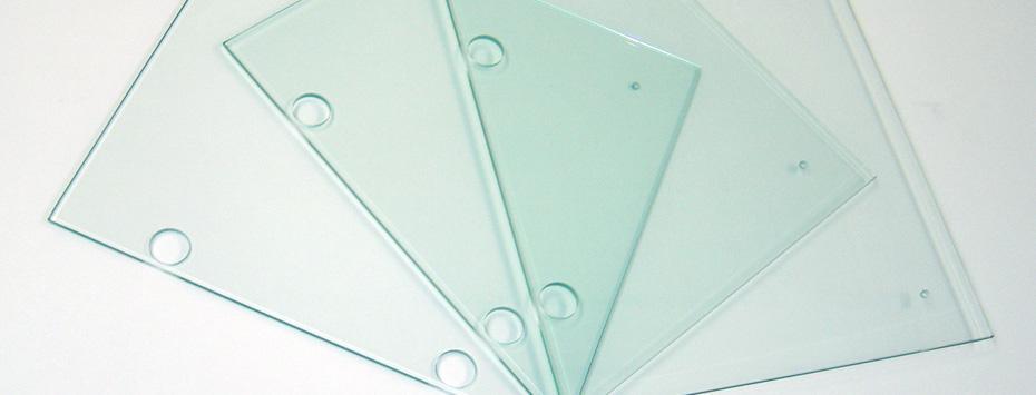 Vrtání a výřezy do skla