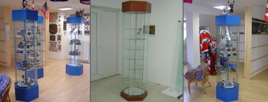Celoskleněná vitrína MO (Mnohoúhelníkový tvar, otočné kulaté police) (190x55x55) Celoskleněná vitrína MO (Mnohoúhelníkový tvar, otočné kulaté police) (190x55x55)